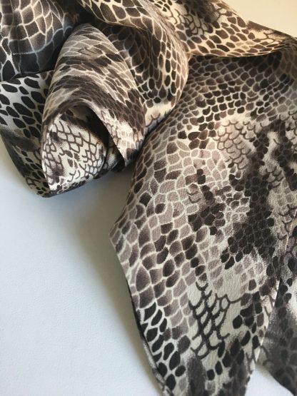 Soie imprimé python marron