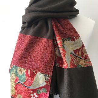 grande écharpe vert olive tissu japonais rouge