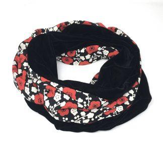 snood velours noir fleurs rouge et blanc