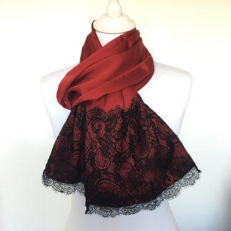 Foulard soie rouge dentelle noire