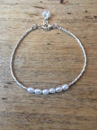 Bracelet fin argent et mini perles