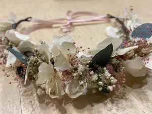 Atelier couronne fleurs stabilisées