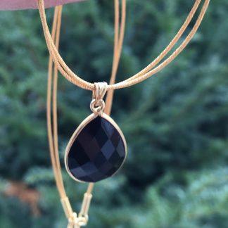 Collier pendentif Pierre noire